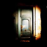 Lumière sur la porte